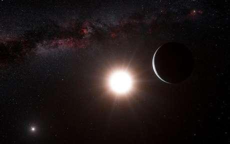 Los astrónomos han descubierto un nuevo planeta, el más cercano fuera de nuestro sistema solar y a un tiro de piedra astronómico de cuatro años luz. En la imagen, una reproducción artística muestra el planeta orbitando la estrecha Alfa Centauri B, dentro del triple sistema solar más cercano a la Tierra, en esta imagen publicada el 17 de octubre de 2012. Foto: ESO / Reuters