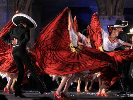 El Ballet Folklorico De Amalia Hernandez cumple este año 6 décadas de llevar la danza tradicional mexicana a todo el mundo. Foto: Clasos