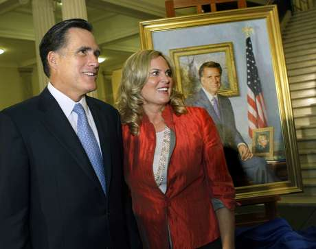 Ann Romney, que hace campaña junto a su marido desde hace meses, afirmó que no ve la televisión, especialmente cuando se encuentra en estados muy disputados como Ohio (norte) o Virginia (este), inundados en estos momentos de anuncios publicitarios de campaña. Foto: AP