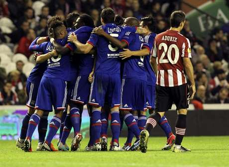 El Athletic Club de Bilbao perdió con el Olympique de Lyon en San Mamés 2-3. Foto: Efe