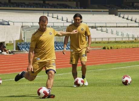 Emanuel Villa se va de Pumas. Foto: Mexsport