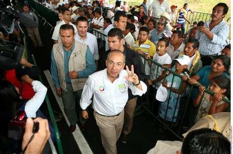 """Gobierno de Calderón deja mayor número de """"ninis"""" Foto: Reforma"""