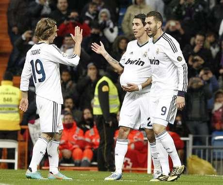 Con el ingreso de Di María, el Real pudo quebrar el cero y finalizó el encuentro con goleada 3-0. Foto: Efe