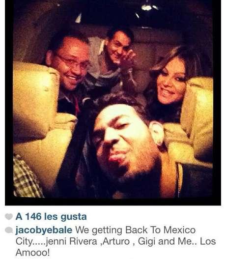 La foto sería la última que se publicaría antes de que la aeronave en la que viajaba la Diva de la Banda desapareciera. Foto: Tomada de Twitter
