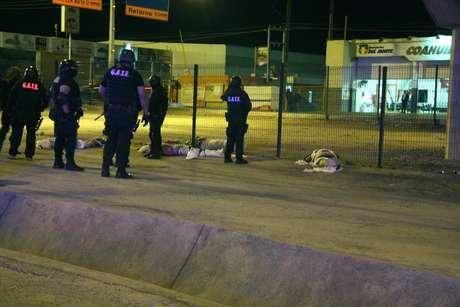 Cuatro hombres que aparecieron el viernes colgados de un puente en Coahuila. Foto: BBCMundo.com