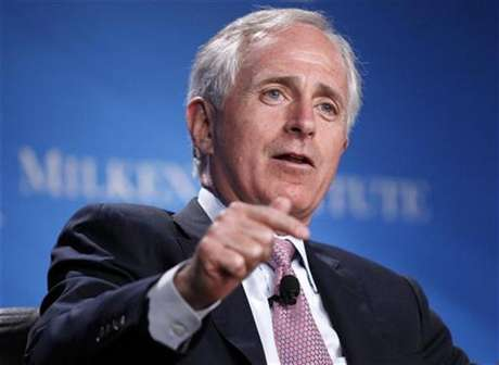"""U.S. Senator Bob Corker (R-TN) takes part in a panel discussion titled """"Fixer-Upper: Repairing the U.S. Housing Market"""" at the Milken Institute Global Conference in Beverly Hills, California May 1, 2012. Foto: Danny Moloshok / Reuters"""