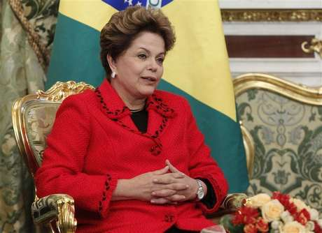 Brazilian President Dilma Rousseff speaks during her meeting with Russian President Vladimir Putin in Moscow's Kremlin December 14, 2012. Foto: Maxim Shemetov / Reuters