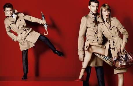 El hijo de 10 años de Victoria y David Beckham debutó como modelo de Burberry Foto: Burberry