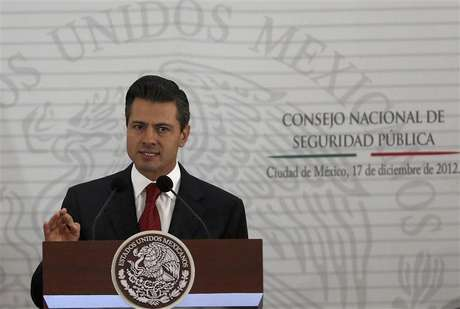Mexico's President Enrique Pena Nieto delivers a speech during the II Extraodinary Session of the National Council of Public Security in Mexico City December 17, 2012. Foto: Tomas Bravo / Reuters