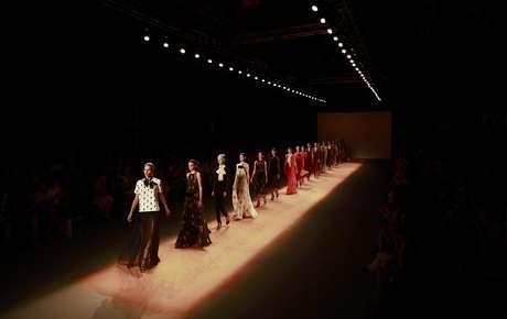 Modelos presentan piezas de Andrea Marques en la Semana de la Moda en Rio de Janeiro, Brasil, en una fotografía del 14 de enero de 2012. En 2013 Brasil quiere empezar a ser conocida más por su producción de moda que por sus modelos.  Foto: /Victor R. Caivano, archivo / AP