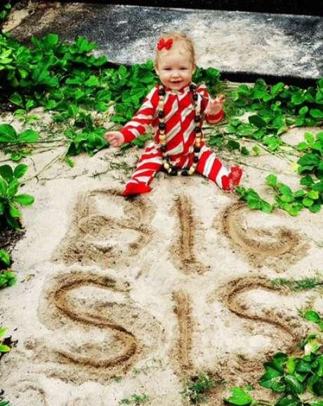 BIG SIS: Jessica Simpson confirmó su segundo embarazo con una foto Foto: Twitter