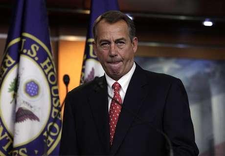 "House Speaker John Boehner (R-OH) arrives to speak to the media on the ""fiscal cliff"" on Capitol Hill in Washington, December 21, 2012. Foto: Yuri Gripas / Reuters"