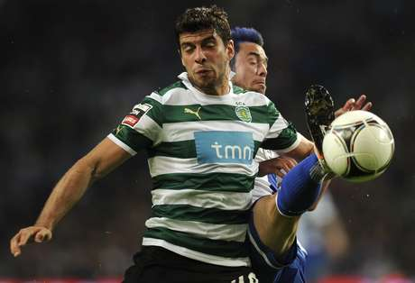 Emiliano Insua received a two-match suspension for using his mouth for something beside talking.  Foto: Getty Images
