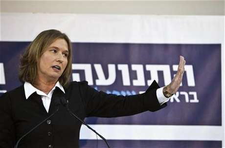 Former centrist Israeli Foreign Minister Tzipi Livni gestures during a news conference in Tel Aviv November 27, 2012. Foto: Nir Elias / Reuters
