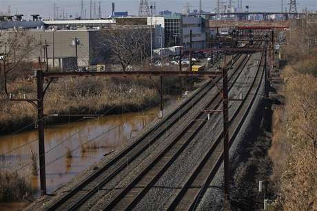 General view of the train rail at the entrance of New Jersey Transit's Meadows Maintenance Complex in Harrison New Jersey November 17, 2012. Foto: Eduardo Munoz / Reuters