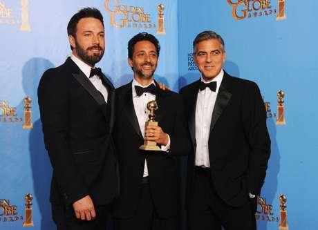 Ben Affleck, Grant Heslov y George Clooney, ganadores de 'Argo'. Foto: Getty Images