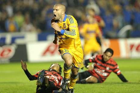 Emanuel Villa encabeza la lista de goleadores del Clausura 2013, con cuatro anotaciones. Foto: Mexsport