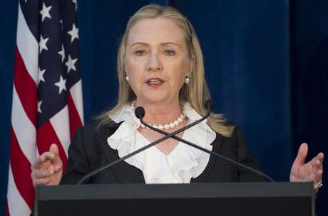 Clinton had been scheduled to testify before Congress last month, but an illness, a concussion and a blood clot near her brain forced her to postpone her appearance. Foto: AP