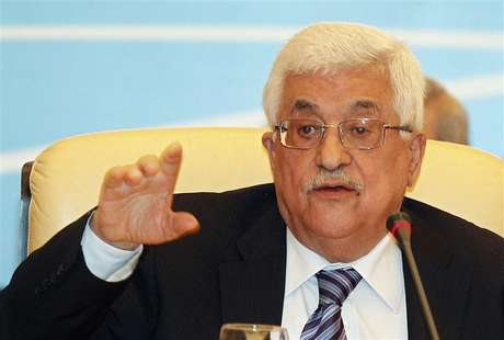 Palestinian President Mahmoud Abbas gestures as he speaks during the Arab Peace Initiative Committee Meeting in Doha December 9, 2012. Foto: Mohammed Dabbous / Reuters