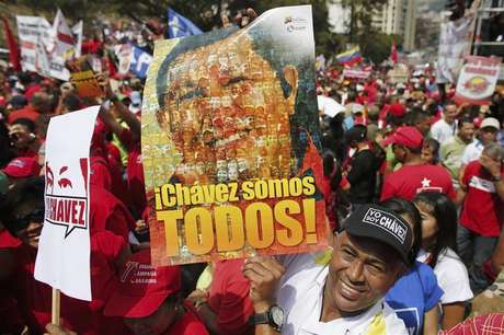 Supporters of Venezuela's President Hugo Chavez attend a rally to commemorate the 55th anniversary of the last Venezuelan dictatorship collapse, in Caracas January 23, 2013. Foto: Jorge Silva / Reuters