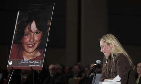 Scarlett Lewis, mother of Sandy Hook victim Jesse Lewis, speaks at a public hearing on gun control at Newtown High School in Newtown, Connecticut January 30, 2013. Foto: Carlo Allegri / Reuters