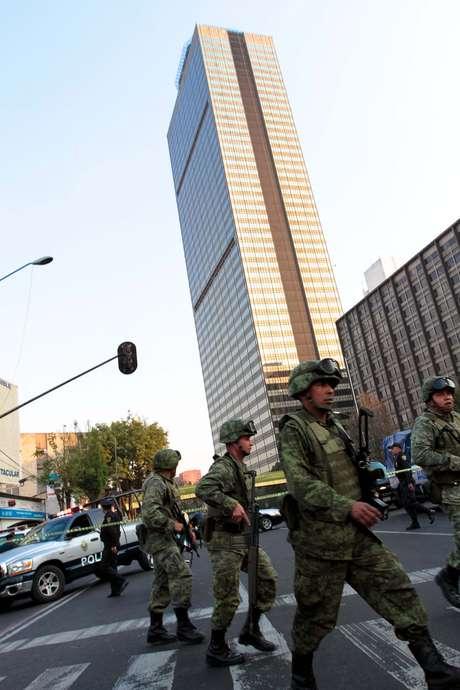 18:20 Se actualiza la información y se reportan 14 muertos y 80 heridos. Foto: Notimex