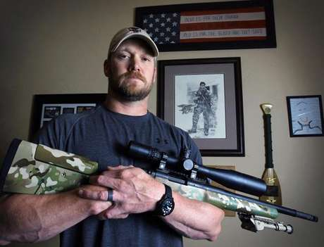 "Kyle, who wrote ""American Sniper"" about his military service from 1999 to 2009, and another man were found dead at the Rough Creek Lodge's shooting range Saturday, according to the Fort Worth Star-Telegram. Foto: AP"