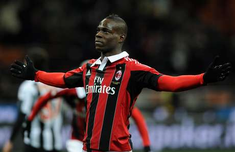 Mario Balotelli showed right of the bat why Milan was so excited to get him, as he scored both goals in a 2-1 win over Udinese. Foto: Getty Images