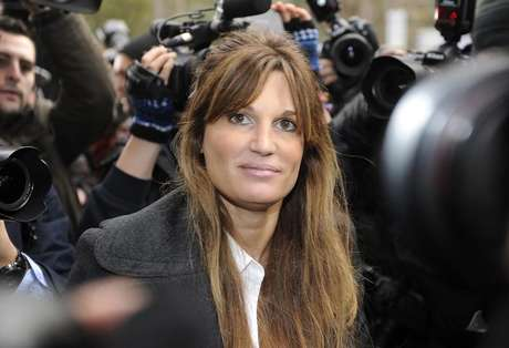 Britain's Jemima Khan, former wife of Pakistani politician Imran Khan, leaves City of Westminster Magistrates Court in central London December 14, 2010. Foto: Paul Hackett / Reuters