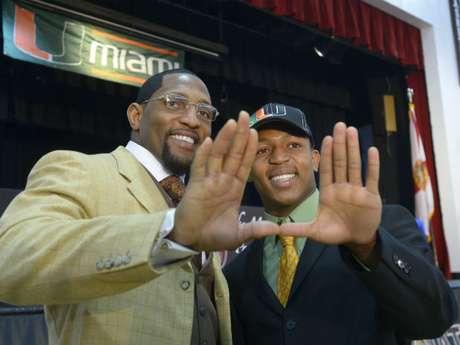 Ray Lewis (izquierda) ganó el domingo pasado su segundo anillo de Super Bowl. Foto: AP