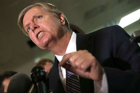 Graham said he would invoke senatorial privilege to put a hold on votes on the nominee for CIA director, John Brennan, and on defense secretary nominee Chuck Hagel until the White House gives more information. Foto: Getty Images