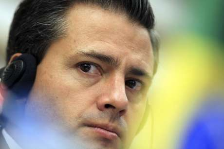 Mexico's President-elect Enrique Pena Nieto attends a media conference after a business meeting at the FIESP (Sao Paulo Industry Federation) in Sao Paulo September 19, 2012. Foto: Paulo Whitaker / Reuters