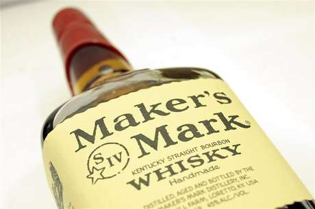 A bottle of Maker's Mark whiskey is pictured in New York May 9, 2012. Foto: Keith Bedford / Reuters