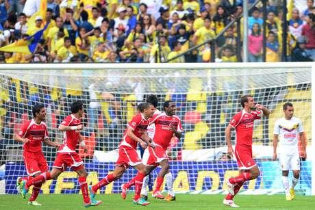 Novaretti adelantó a los Diablos con un buen remate de cabeza. Foto: Mexsport