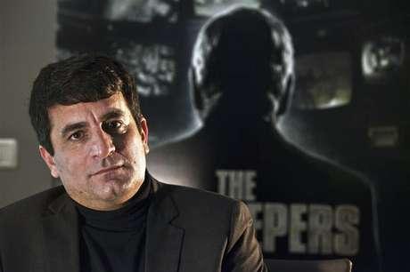 Israeli director Dror Moreh sits for a portrait in Tel Aviv February 14, 2013. Foto: Nir Elias / Reuters