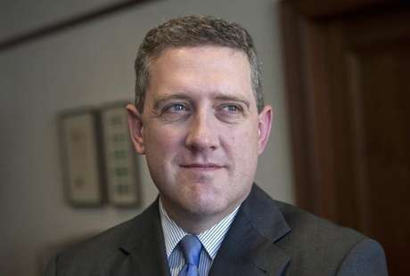 President and CEO of the Federal Reserve Bank of St. Louis James Bullard poses during an interview at the Federal Reserve Bank of St. Louis June 8, 2011. Foto: Peter Newcomb / Reuters
