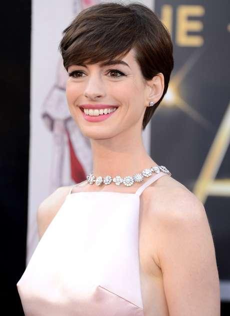 Los pezones de Anne Hathaway también tuvieron su momento en la 85 Entrega de los Premios Oscar. Foto: Getty Images