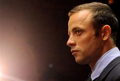 Oscar Pistorius' family refuted a report that said the Olympic athlete was 'suicidal.' Foto: AP in English