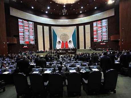 La Junta de Coordinación Política acordó la contratación multianual de la app, de enero de este año a agosto de 2015, mediante 32 pagos mensuales. Foto: Reforma