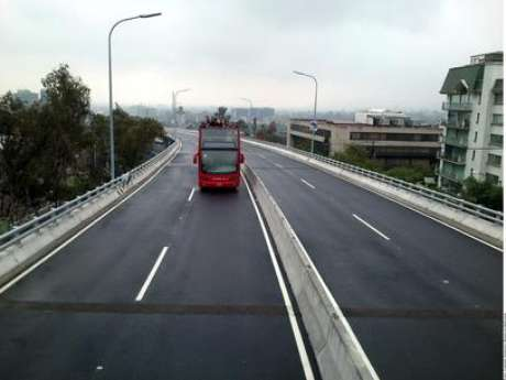 En la Autopista Urbana Norte hubo un incremento de 13 centavos por kilómetro al pasar de 1.84 a 1.97 pesos. Foto: Reforma