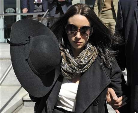 Casey Anthony salió de la corte en Tampa, Florida, el lunes 4 de marzo de 2013. Foto: Brian Blanco / AP