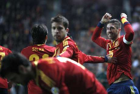 Ramos marcó en su partido número 100, pero España no pudo pasar del empate 1-1 con Finlandia. Foto: EFE en español