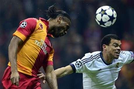 Pepe lucha con Drogba  Foto: Getty