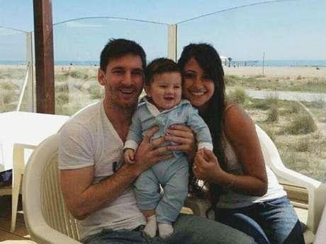 No es la primera imagen que circula del pequeño Messi, pero sí la primera en la que se le ve la cara al niño. Foto: Reproducción Internet