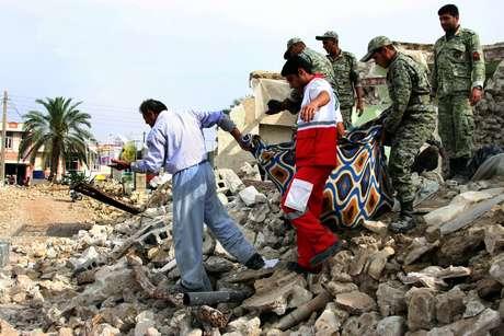 El pasado 9 de abril Irán registró otro movimiento telúrico de 6,1 grados en la escala Richter que produjo unos 37 muertos. Foto: AFP