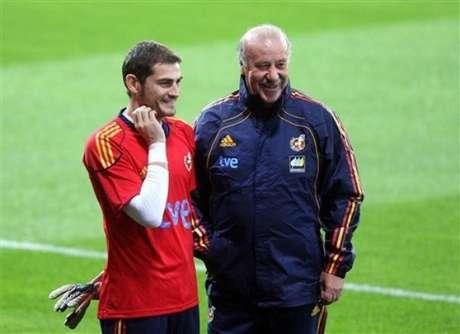 Casillas y Del Bosque, durante una concentración de España Foto: Terra