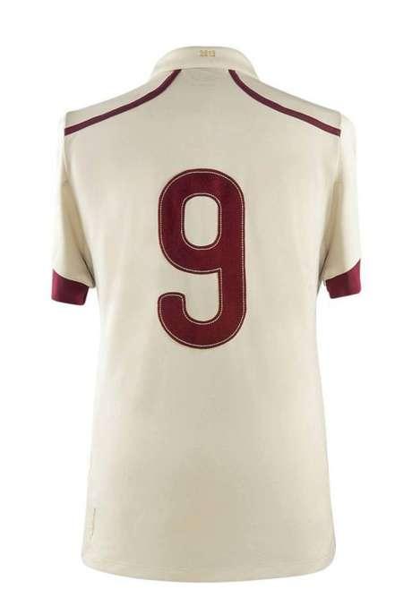 La presentación de la nueva camiseta se hizo en el Estadio Monumental Foto: Umbro