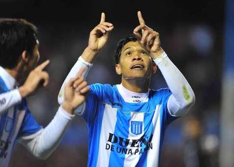 """""""Dios quiera pueda jugar en River"""", dijo el ex Racing """"Teo"""" Gutiérrez Foto: Télam"""