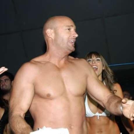 Álvaro Casanova llega al reality show de Mega. Foto: Reproducción
