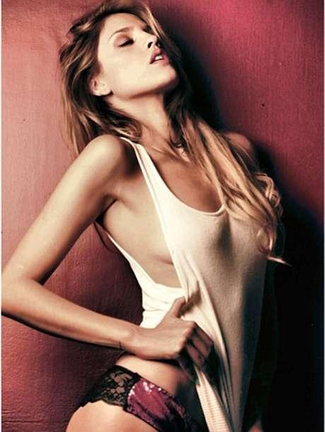 Eiza González no quiso detallar si sostiene o no un romance con el exnovio de Miley Cyrus. Foto: Instagram